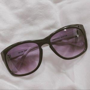 Kenneth Cole Reaction classic unisex sunglasses